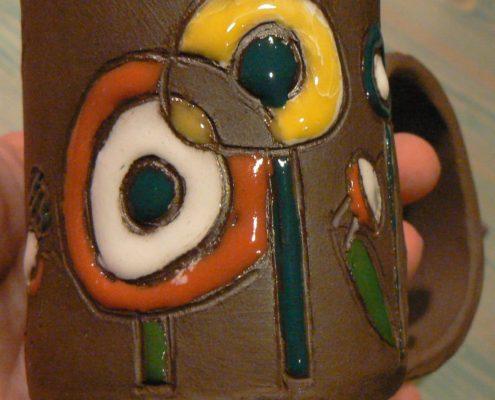 Keramika pro dospělé Praha - burelová keramická hlína zdobená glazurou