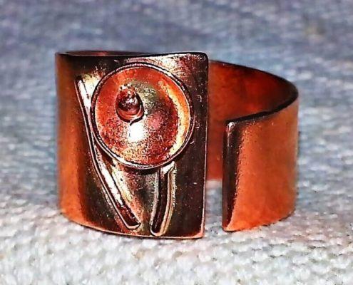 kurz kovového šperku